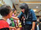 Bazaar dan Pemberian Santunan Peringatan Hari Ibu dan HUT DWP, Diresmikan Bintang ditinjau Menkop Puspayoga