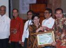 OJK Raih Penghargaan Sistem Pengendalian Gratifikasi Terbaik dari KPK