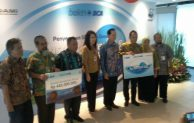 BCA Salurkan Donasi bagi WWF dan Perdami