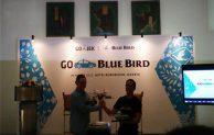 Blue Bird & GO-JEK Hadirkan Kolaborasi Anak Bangsa