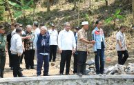 Kagum Proyek Padat Karya Tunai, Ini Pesan Jokowi ke Mendes
