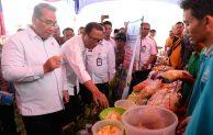 Tinjau PKT Di Kampar, Mendes Buktikan Warga Dibayar Rp 100 Ribu Per Hari