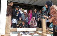 Dekranas Kembangkan Tenun Gedog Tuban Sebagai Produk Unggulan