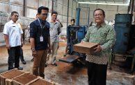 Kemenkop dan UKM Fasilitasi Koperasi Kembangkan Produk Berbasis Kelapa