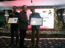 Menkop dan UKM Puspayoga Berikan Dua Perajin Bali Sertifikat HAKI