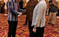 Menkop dan UKM Teten Masduki Lantik Leonard Theosabrata sebagai Dirut LLP KUKM