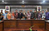 Kemenkop dan UKM  Fasilitasi Pelaku UMKM Ikut Pameran Hari Usahawan Negara di Malaysia