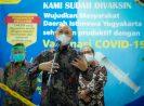 Tinjau Vaksinasi Pelaku UMKM di Yogyakarta, MenkopUKM: Pemulihan Ekonomi dan Kesehatan Harus Beriringan
