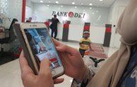 Bank DKI Himbau Penerima BST Gunakan JakOne Mobile